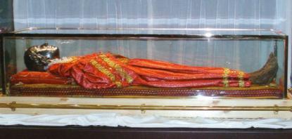 Det som sägs vara resterna av Lucia finns idag i en kyrka i Venedig