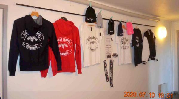 Det finns också andra saker att köpa som tröjor mm. med föreningens logga på...