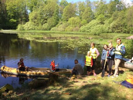 Bräkne-Hobys Scouter såg till att alla paddelsugna kunde ta sig en paddeltur i den vackra Bräkneån.