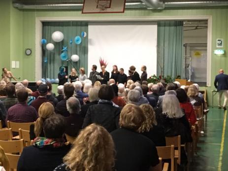 Det blev både en gemensam middag, teater, vacker sång, men också fina tal under Blekinge Folkhögskolans 150 års firande.