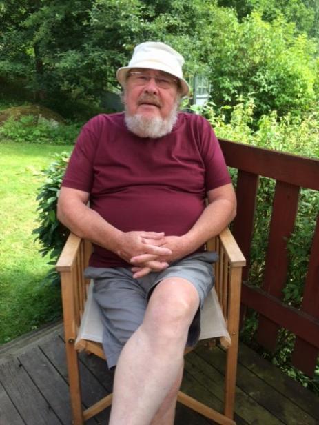 Mats Harrysson tar gärna familjen med sig och åker till sommarstugan utanför Bräkne-Hoby. Men han ligger inte på latsidan för det, utan har fullt upp med sin tredje Hobyfilm.