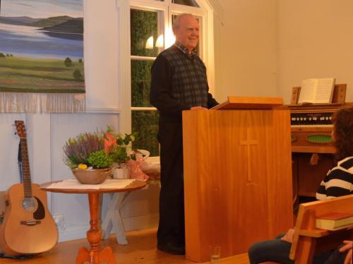 Bibeltrogna vänner, EFS och Kyrkan tvistade om bönhuset när det var byggt, så \