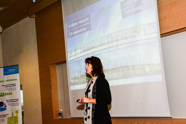 Helena Wiberg, utvecklingschef vid Landvetters flygplats, informerar om områdets framtidsplaner.