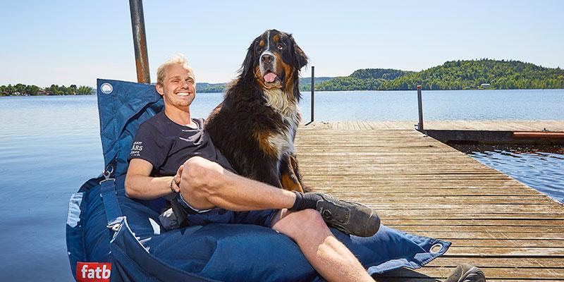 Festivalgeneral. Sebastian Andersson är initiativtagare till Uport som går av stapeln nu till helgen. Med sig har han nästan alltid sin berner sennenhund Bolls...