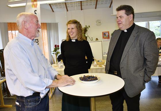 Sture Arekvist i samtal med prästerna Linnéa Norberg och<br />Anders Jernbratt.