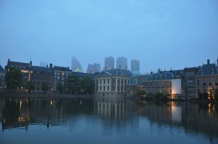 Haag i skymningsljus