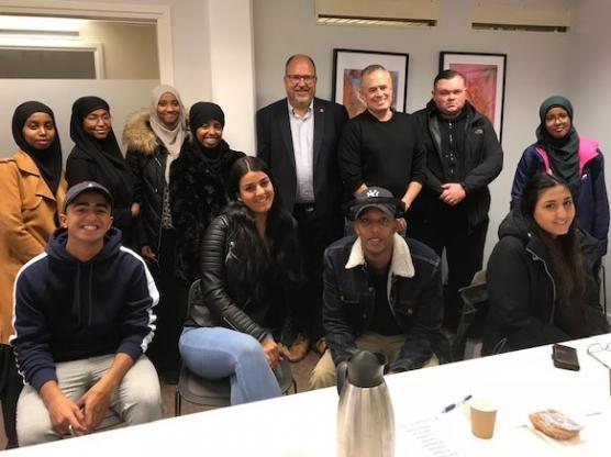 LOs ordförande Karl-Petter Thorwaldsson med medarbetare fick träffa många elever som kunde berätta om möten med arbetsgivare.