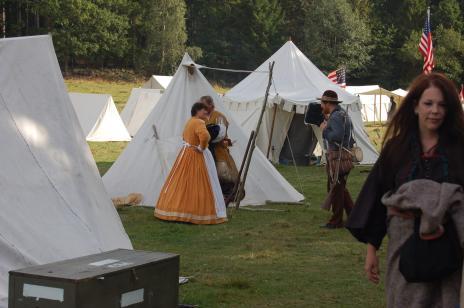 En hel tältstadvar uppbyggd för deltagarna.
