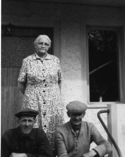 Emma, Erik och sonen Nils-Erik Hamberg.