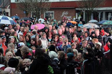 Publiken kom trots dåligt väder. Tack för att ni ställer upp när det arrangeras Fäst i Bollebygd