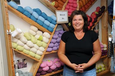 Lena Persson trivs bland sina garner