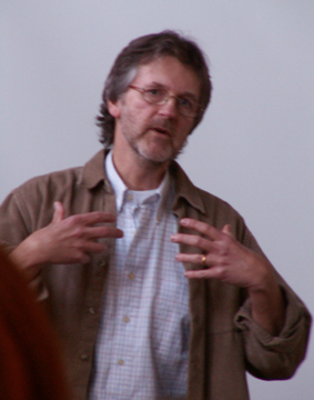 Kernell föreläser på Freinetmötet 2005 på samma plats som nu: Masthuggets hus Göteborg.