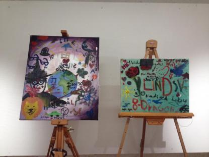 Besökarna fick själva skapa konst på utställningen.