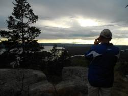 Kalle fotar den spektakulära himlen och utsikten förstås.