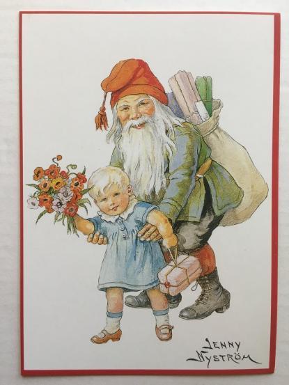 Den nya svenska tomten från slutet av 1800-talet. Fortfarande liten men med röd luva och julklappar