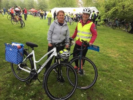 Marion Andersson och Kirsi Ranta som båda hade varit med tidigare flera gånger, hade valt att cykla Silpingetrampen.