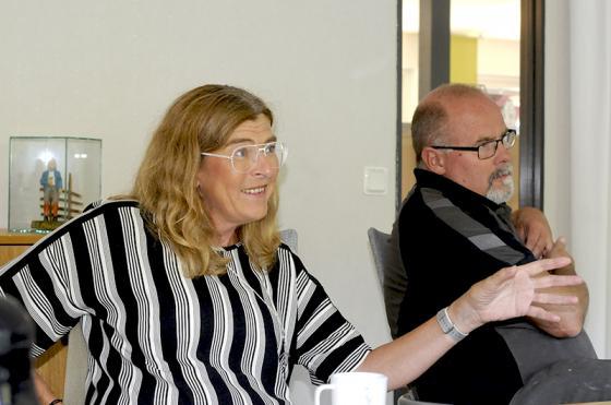 Therese Guovelin, LO:s vice ordförande vid mötet på Flügger Färg.<br />Foto: Olle Falk