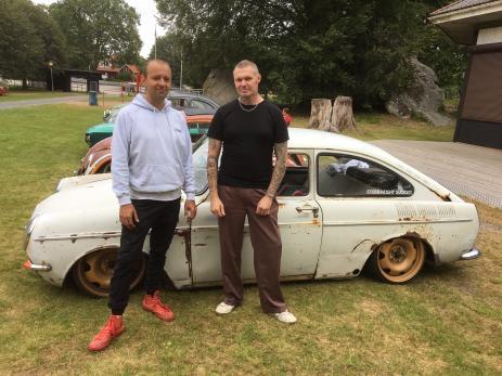 Johnny Bergman och Marcus Rehnström från föreningen \