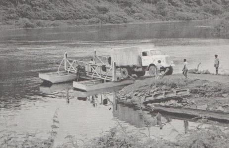 Saknades det en bro fick man helt enkeltinprovisera för att kunna slutföra sitt uppdrag.