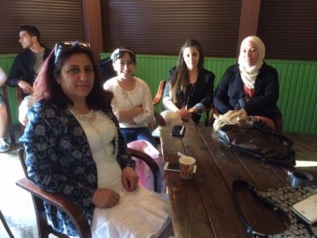 - Ett mycket trevligt arrangemang, roligt att vi kan göra något tillsammans, tyckte de Syriska kvinnorna som kommit för att titta på alla uppträdena.