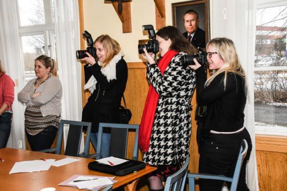 Intresset från media var stort. AnnonsMarknan, Borås Tidning och kommunens informationsavdelning var på plats. Och självklart bollebygdsnyheter.se som tog bilderna i det här reportaget.