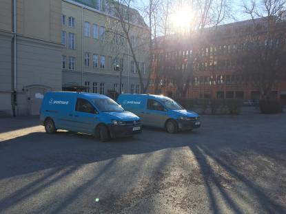 Idag på skolgården framför Parkeringsservices kontor