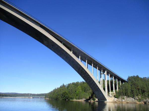 Under Sandöbron