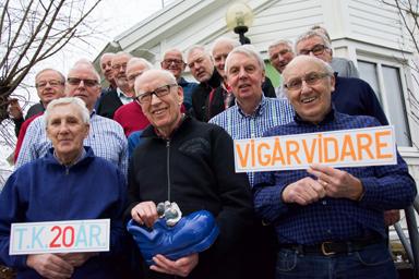 Göran Appelkvist, Stig Hansson och Arthur Ericsson närmast kameran och grundare av Tisdagsklubben för 20 år sedan