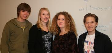 Jonas Klingström, Sofie Orvestedt, Sara Scharin och Tobias Bergström elever på NV intenationell