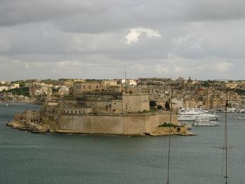 One of the most well known views in Malta: The Grand Harbour and the fort of St Angelo