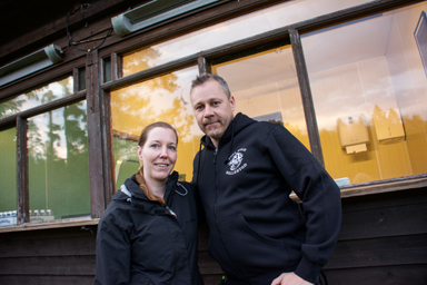 Petra och Jörgen Målberg Svensson kommer att servera när Särnmarks korvkiosk återuppstår för en kväll.