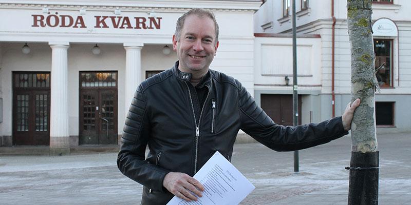 På listan. En sak som stått på City Centrum-medarbetaren Åke Englunds bucket list är att plantera ett träd. Det fick han göra i våras.