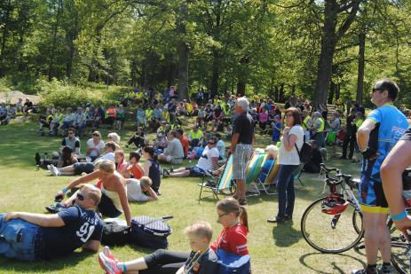 Det var många som stannat kvar för att lyssna på härlige Emilios Boogie Woogie och vara med på den spännande utlottningen av bland annat två cyklar.