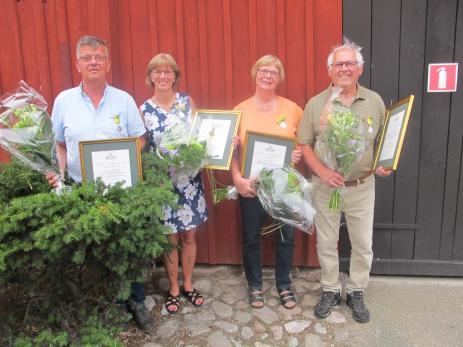 På lördagen fick Claerens Jacobsen, Gunnel Holm, Eva och Roland Gustavsson ta emot det Kungliga Patriotiska Sällskapets medaljer för \